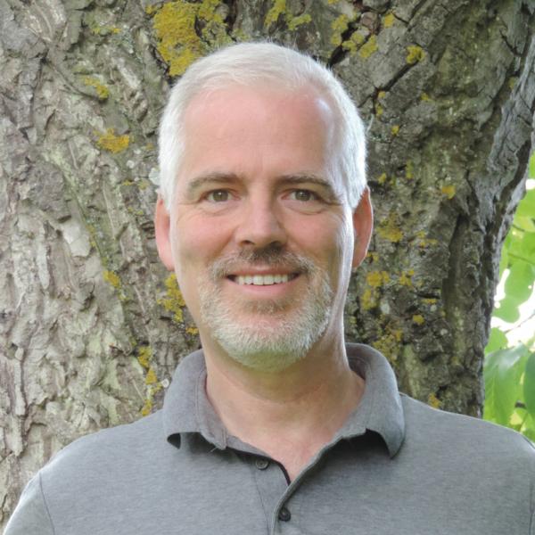 Massage-Lehrer, Seminarleiter und Begründer der TouchLife Methode: Frank B. Leder