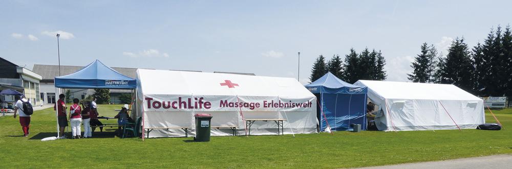 Rotes Kreuz Zelt für TouchLife Massagen bei den Special Olympics Spielen Österreich 2018